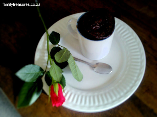 5 Minute Chocolate Cake in a Mug